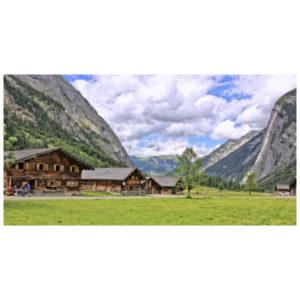 Lage huizen in de bergen